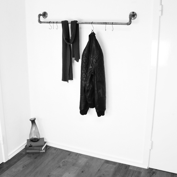 reling v1 schwarz kleiderstange garderobe inkl 6. Black Bedroom Furniture Sets. Home Design Ideas